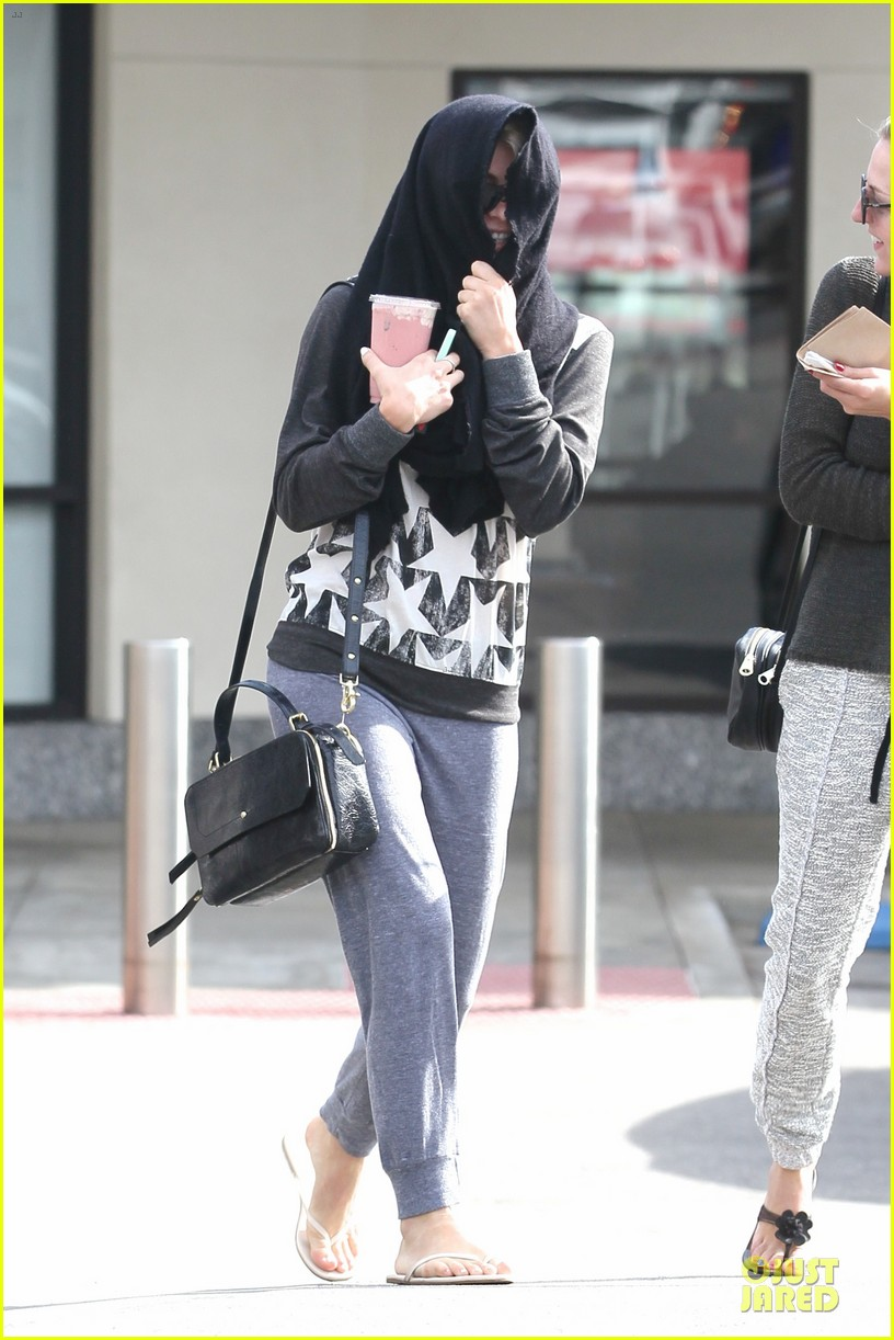 julianne hough debuts new pixie haircut 163049969
