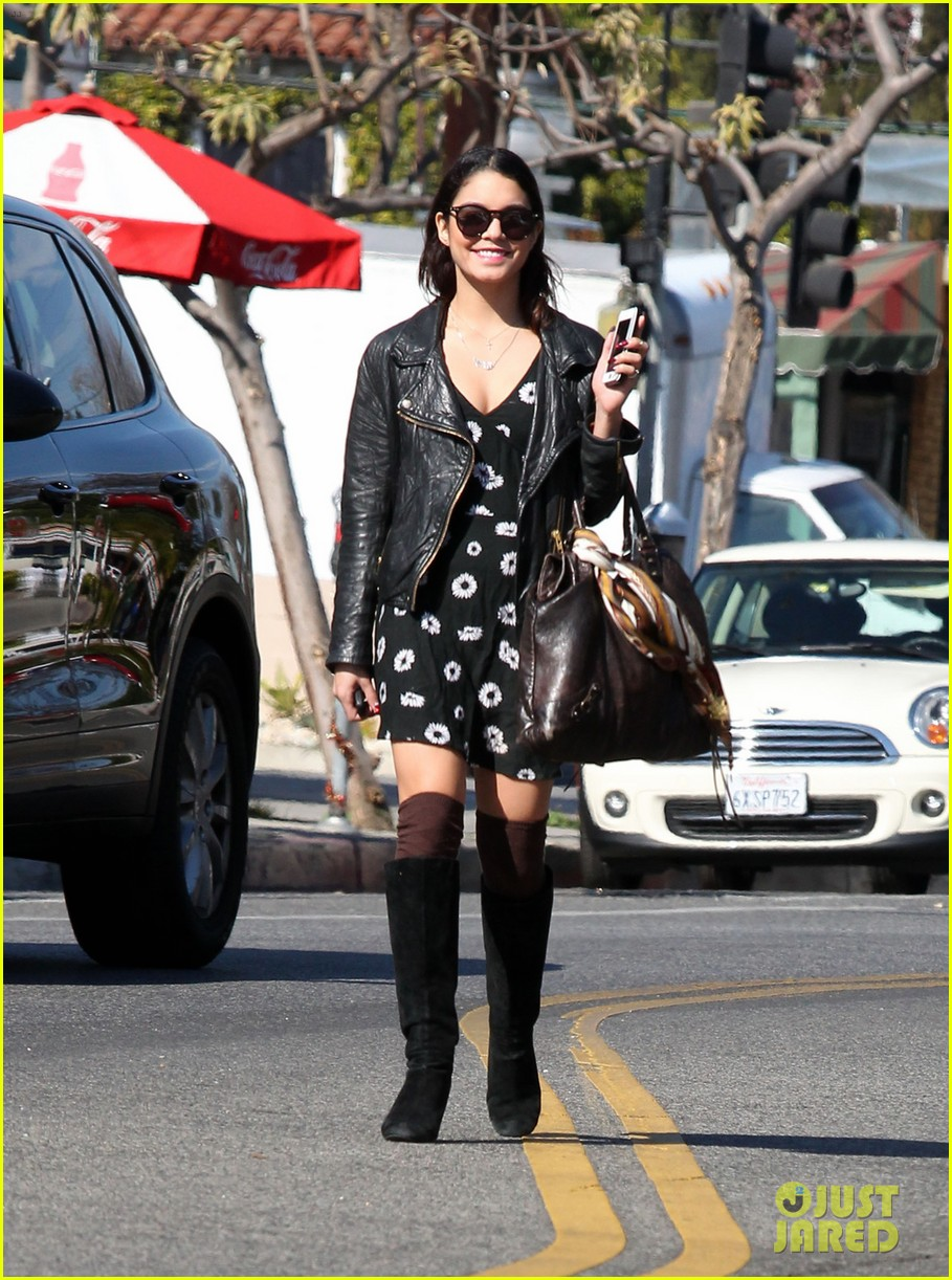 bffs vanessa hudgens ashley tisdale get lunch at aroma 013048129