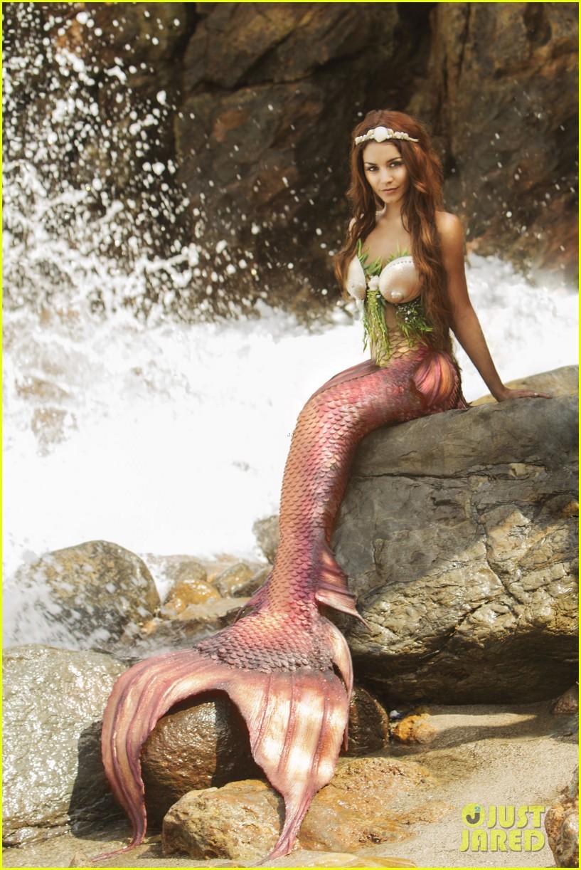 vanessa hudgens makes a splash as a sexy mermaid 033057595