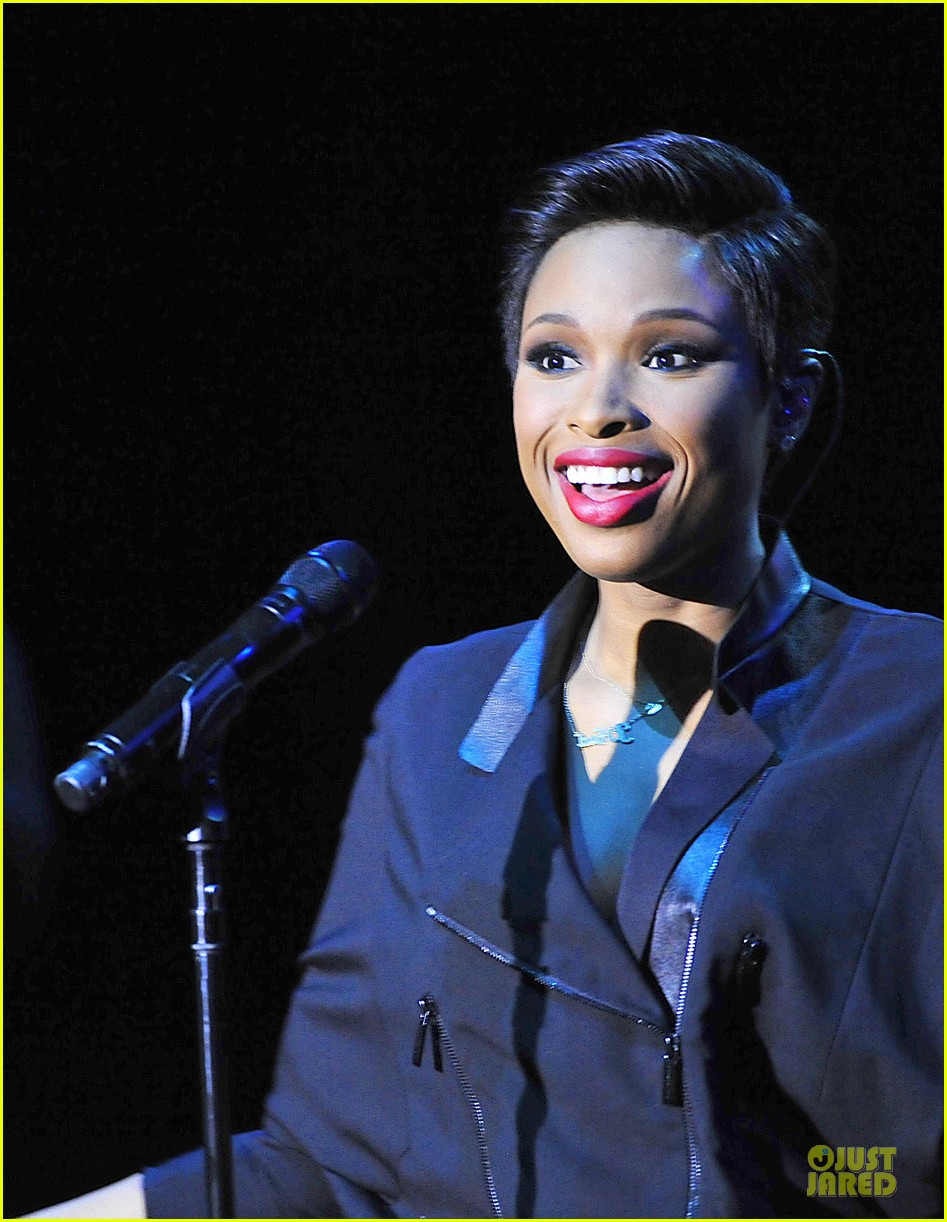jennifer hudson gives the key for losing weight 023058492
