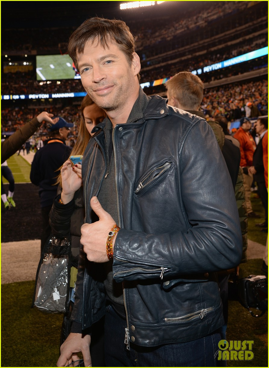 hugh jackman harry connick jr join in on the super bowl 2014 fun 043046598