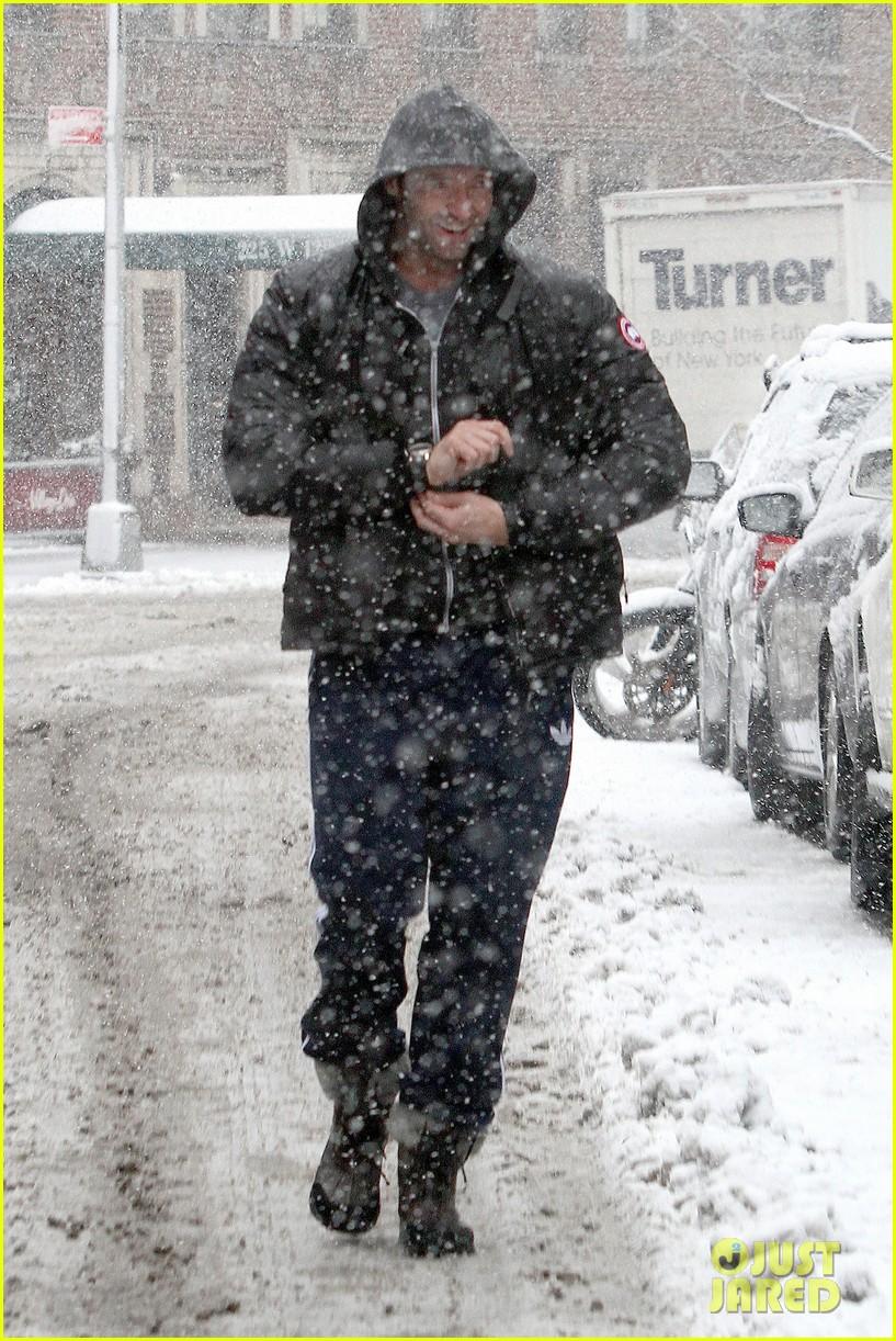 hugh jackman snowy workout after the super bowl 2014 013047335