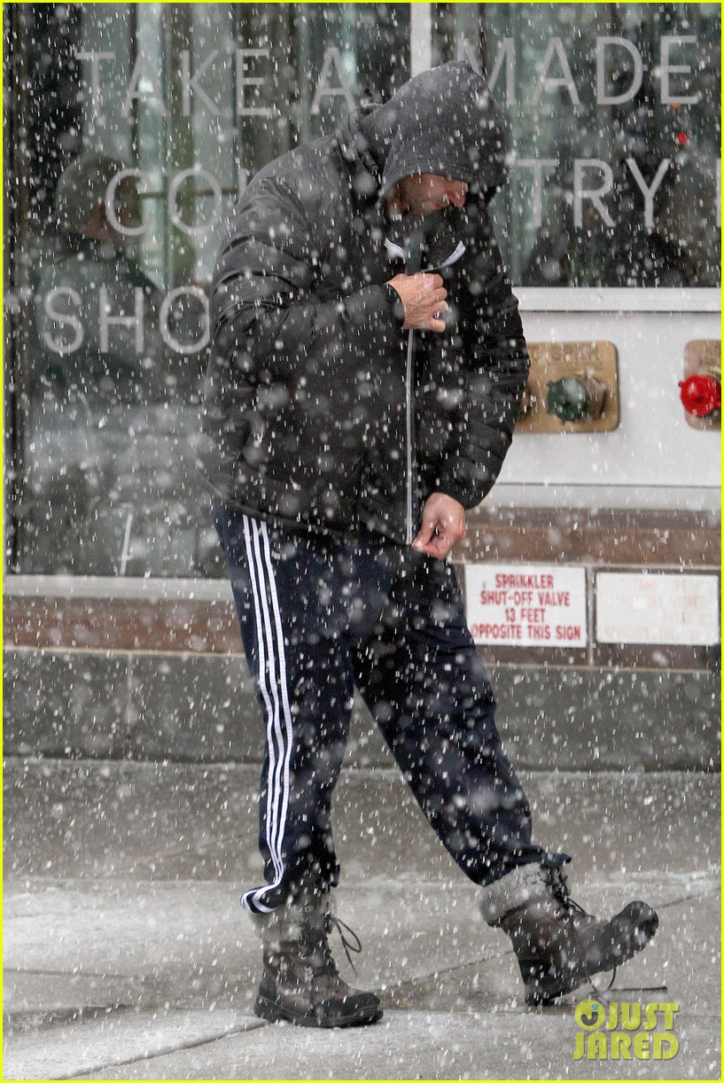 hugh jackman snowy workout after the super bowl 2014 02