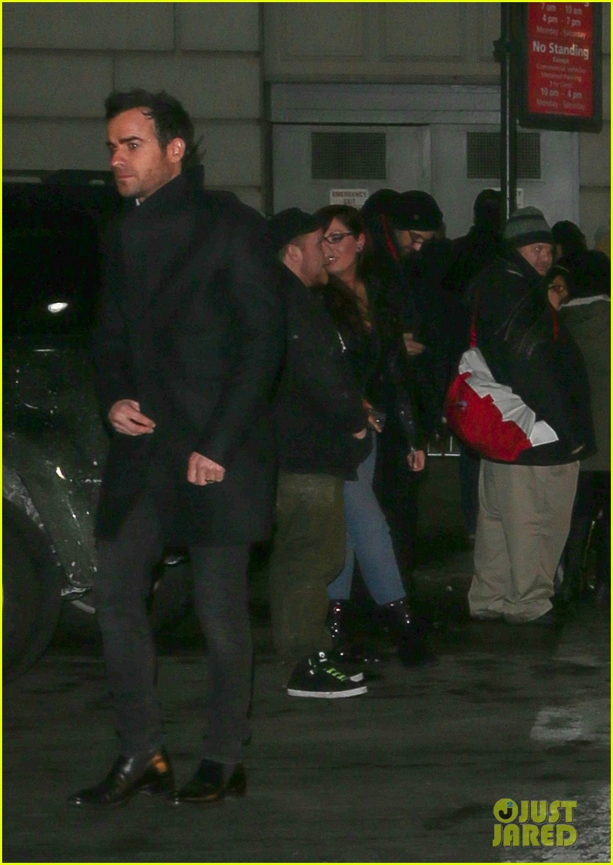 jennifer aniston justin theroux separate coasts separate birthday parties 103045433