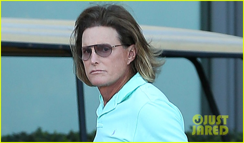 bruce jenner undergoes adams apple surgery see kardashians star see first photo post surgery 043051417