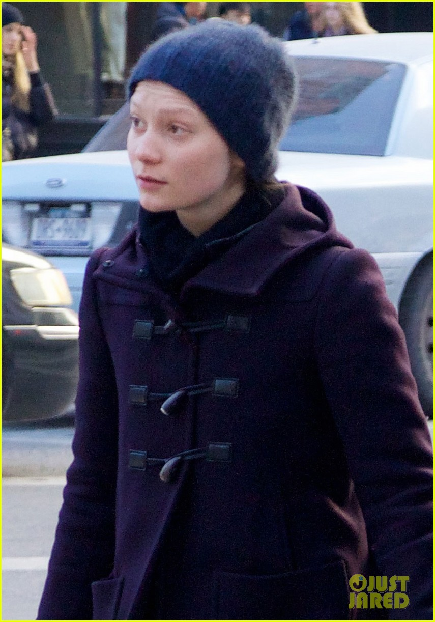 jesse eisnberg mia wasikowska after lex luther casting 043045676