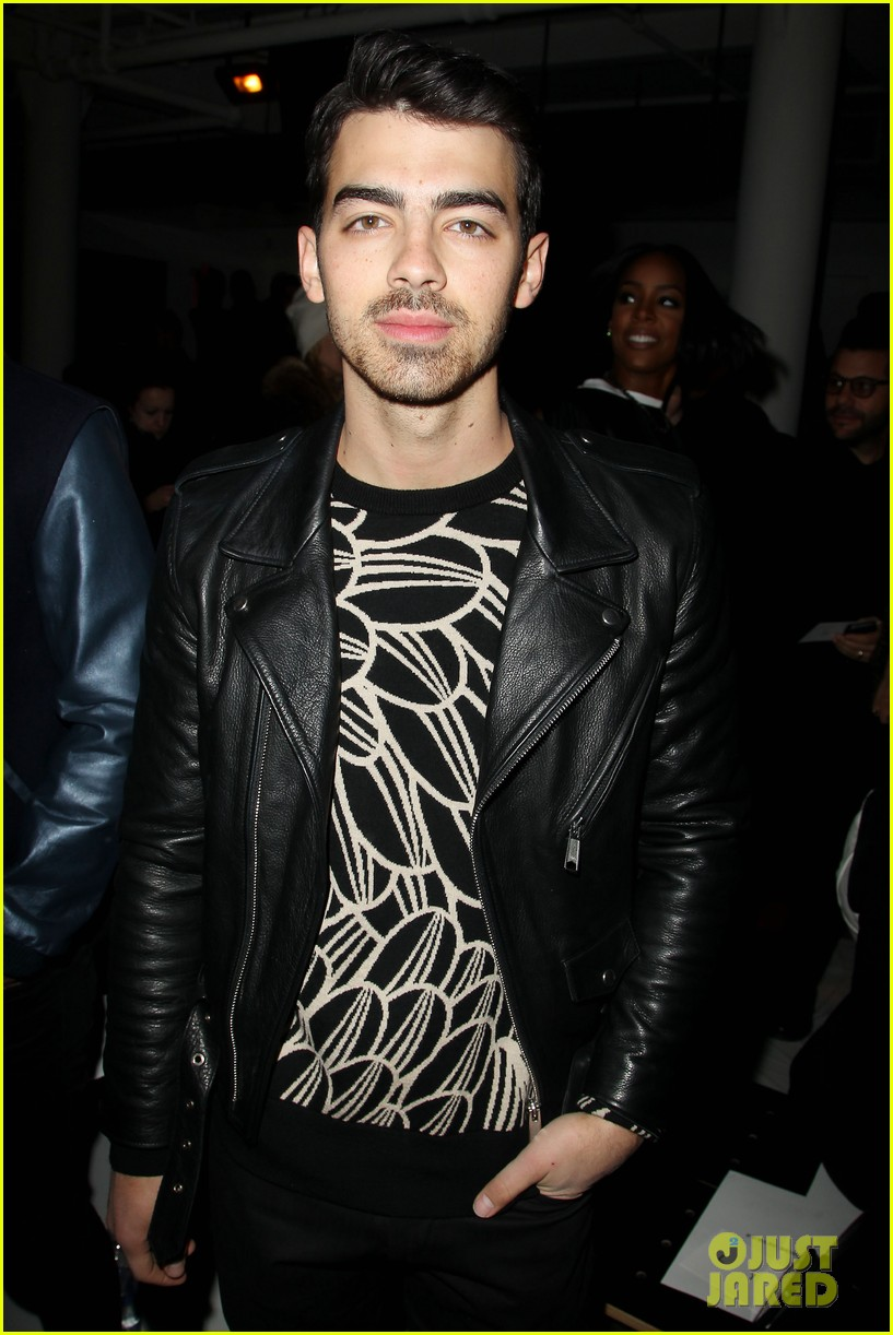 joe jonas blanda eggenschwiler custo barcelona show sweeties 023050309