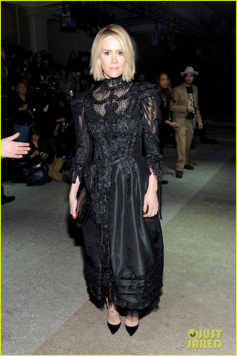 sarah paulson joe jonas end fashion week at marc jacobs 01