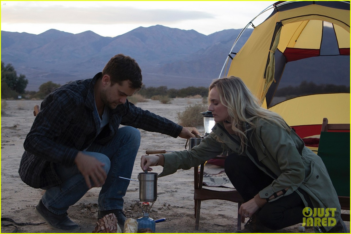 joshua jackson diane kruger survive death valley only on water emitted from their f cell car 053045413