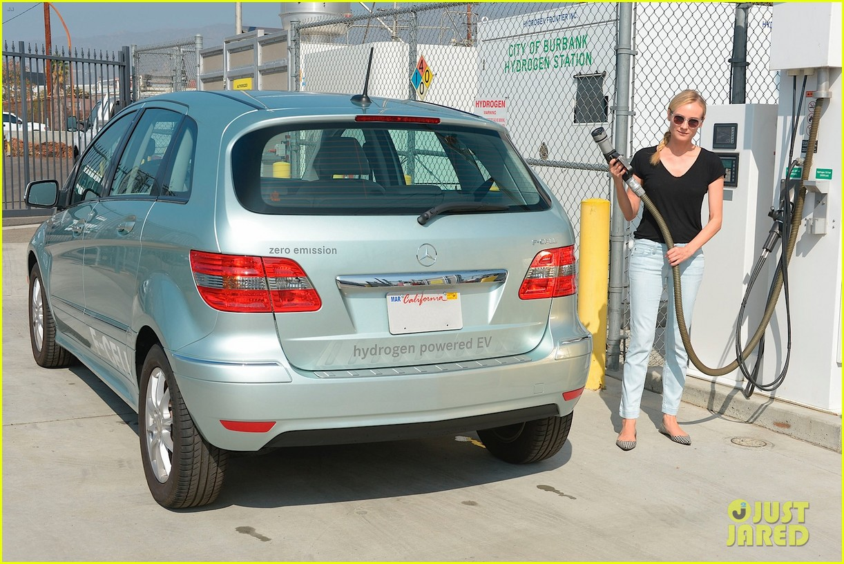joshua jackson diane kruger survive death valley only on water emitted from their f cell car 083059202
