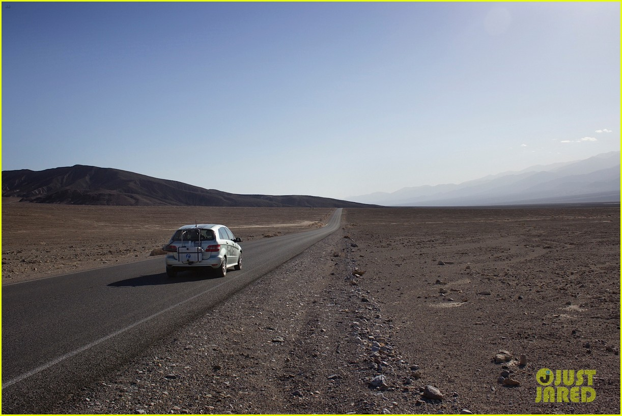joshua jackson diane kruger survive death valley only on water emitted from their f cell car 153045423