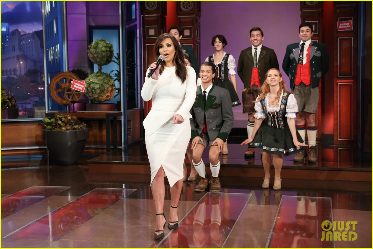kim kardashian oprah sing for jay leno at his final show 013048852