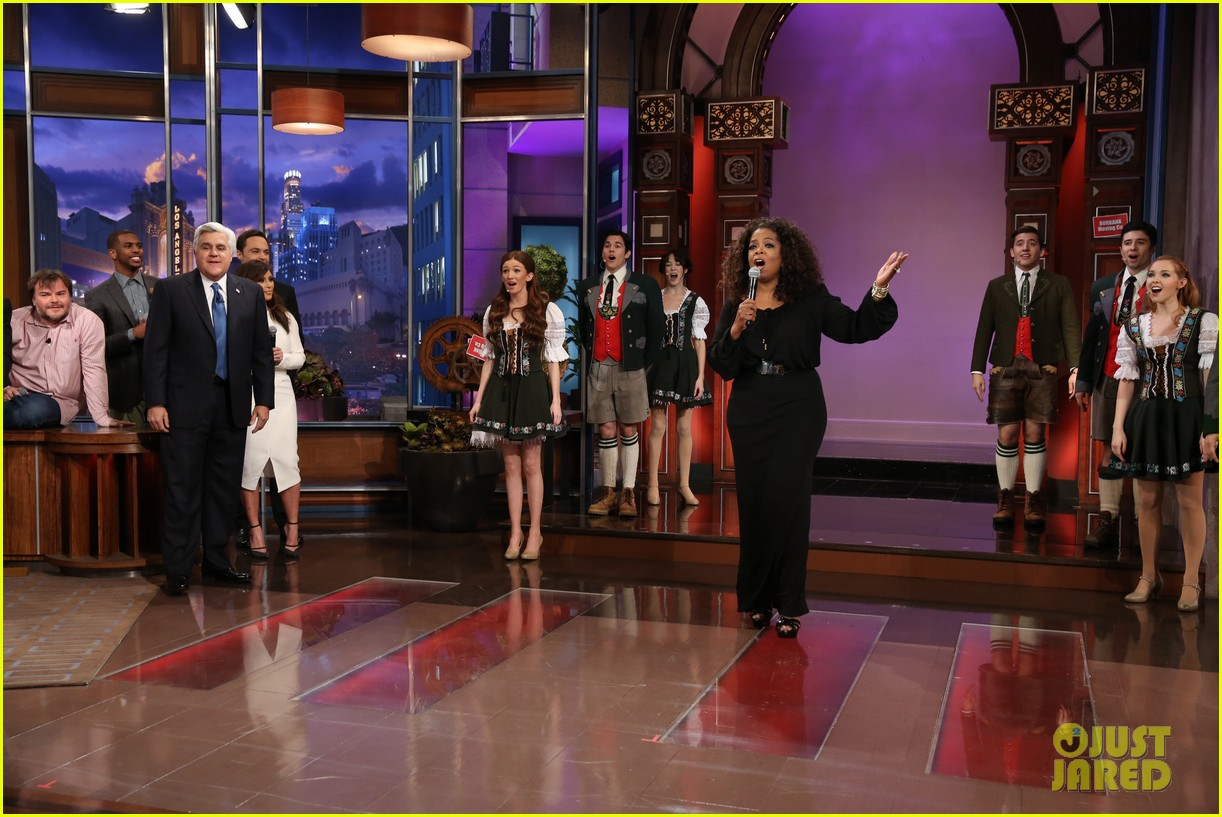kim kardashian oprah sing for jay leno at his final show 033048854