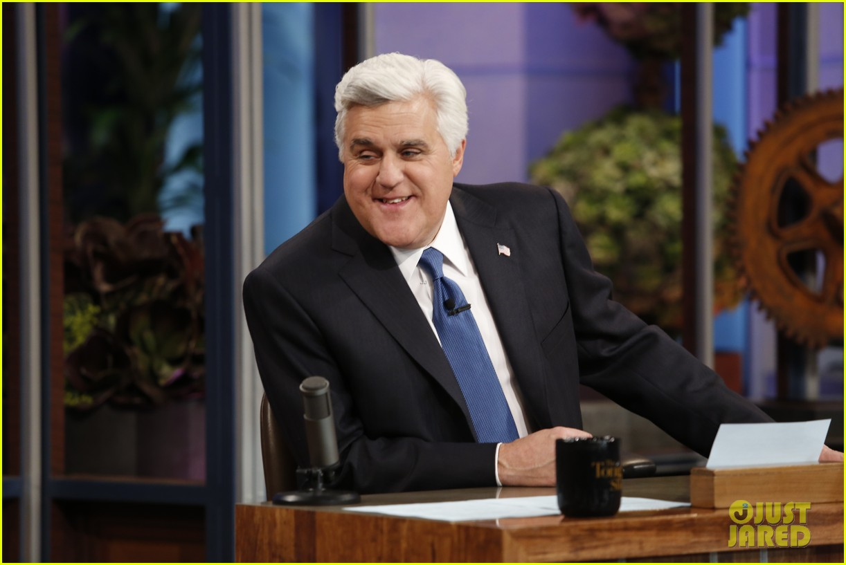 kim kardashian oprah sing for jay leno at his final show 133048864