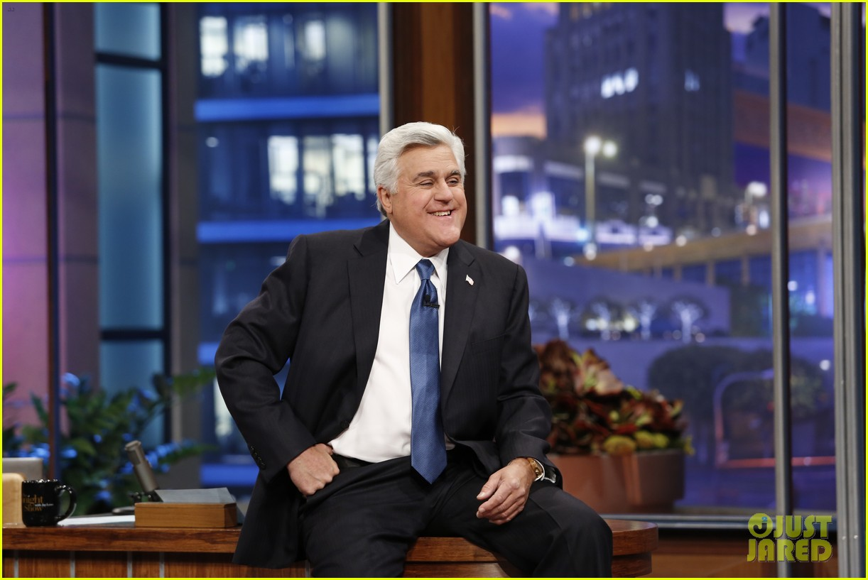 kim kardashian oprah sing for jay leno at his final show 143048865