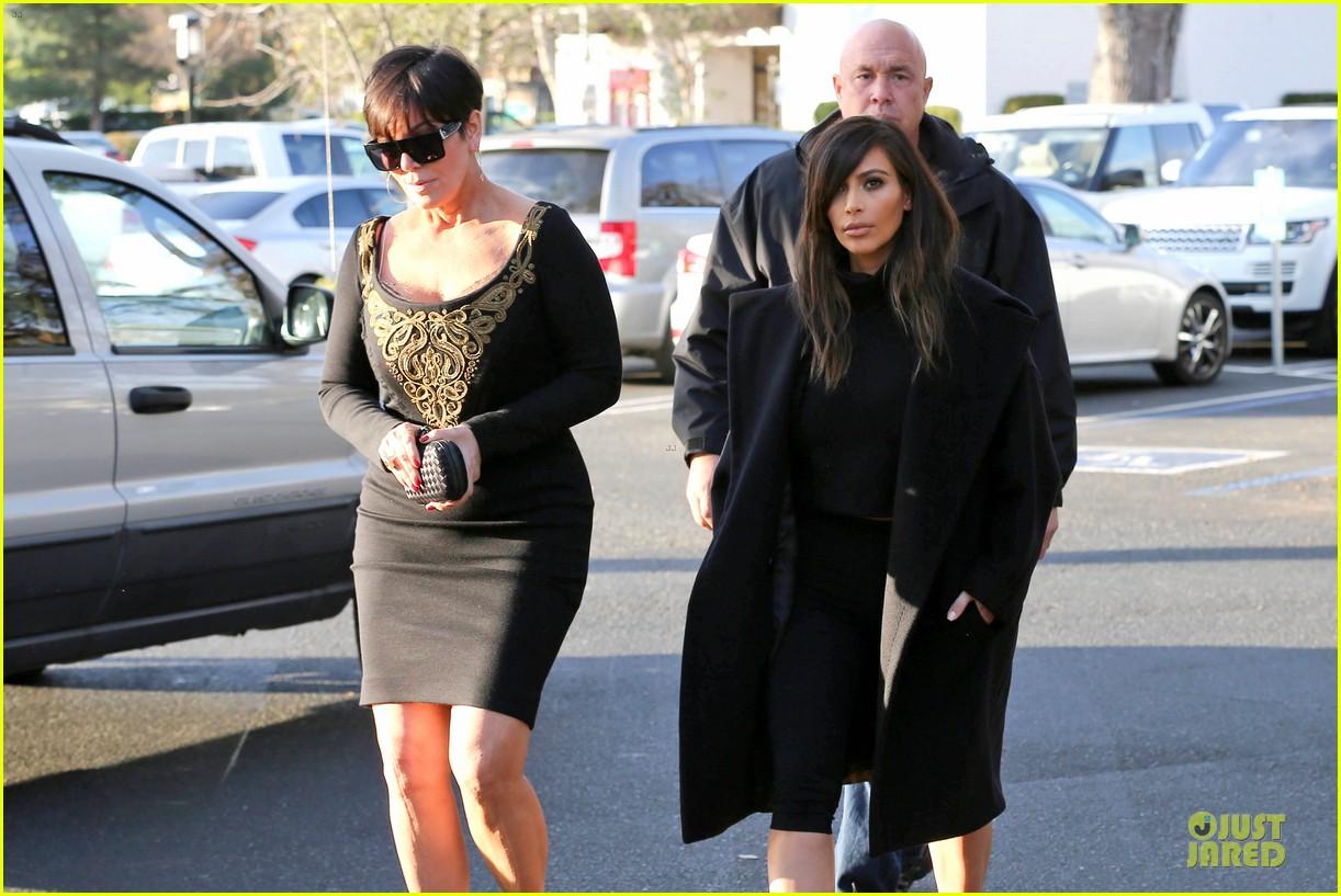 kim kardashian restaurant filming with mom kris jenner siser khloe 023047630