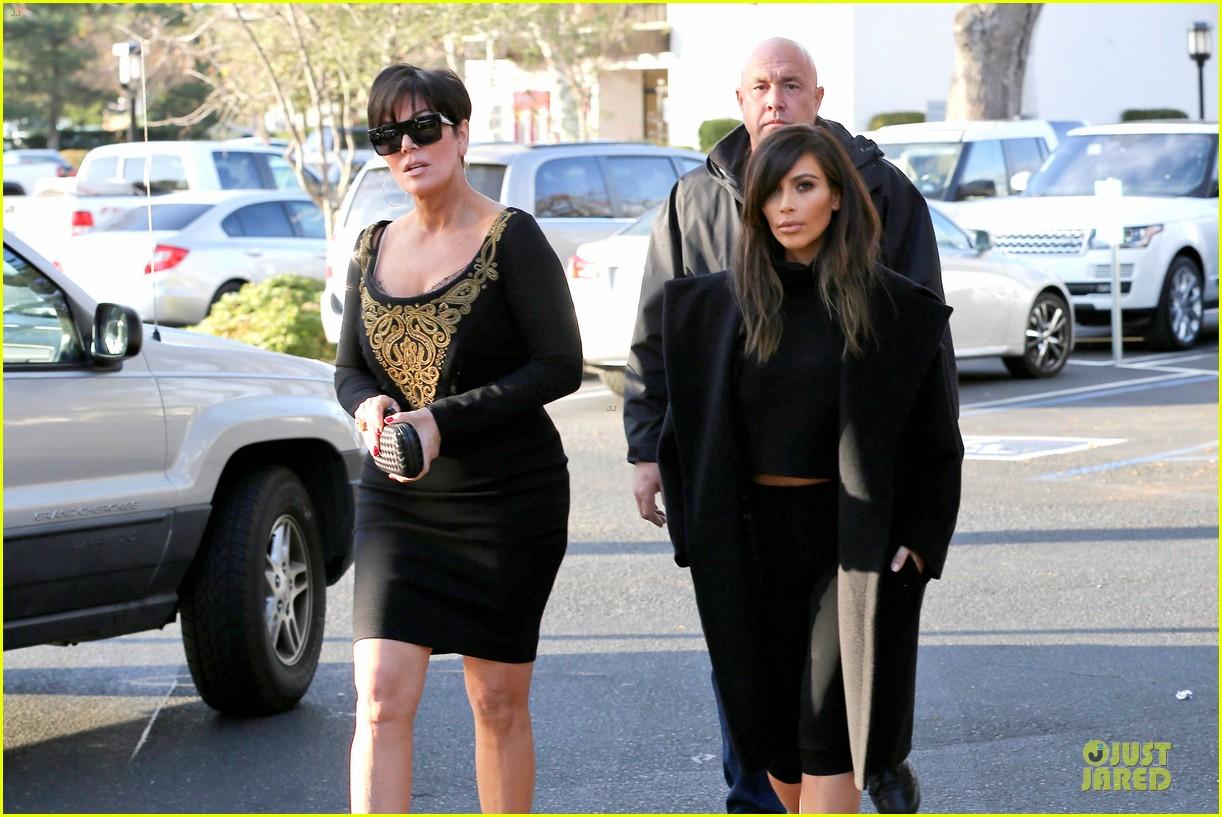 kim kardashian restaurant filming with mom kris jenner siser khloe 063047634