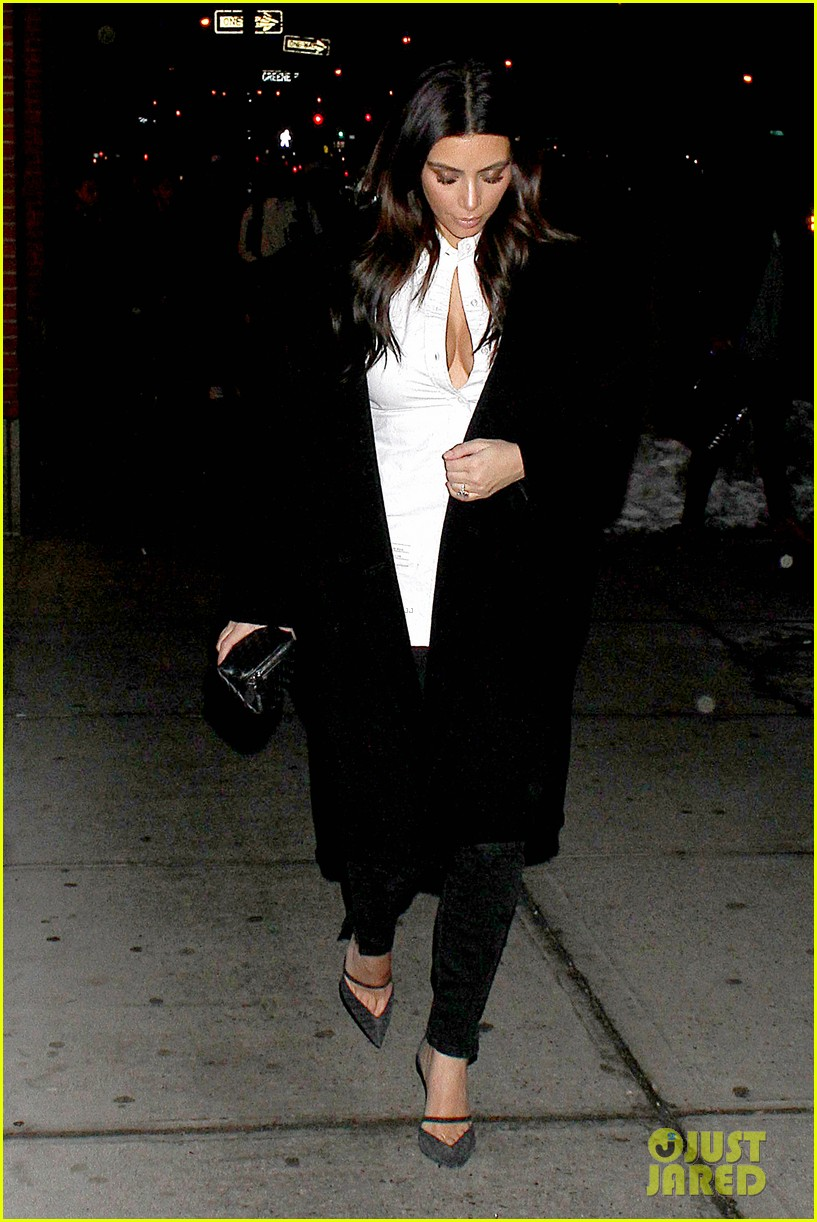 kim kardashian stays in nyc while kanye west continues tour 063055214