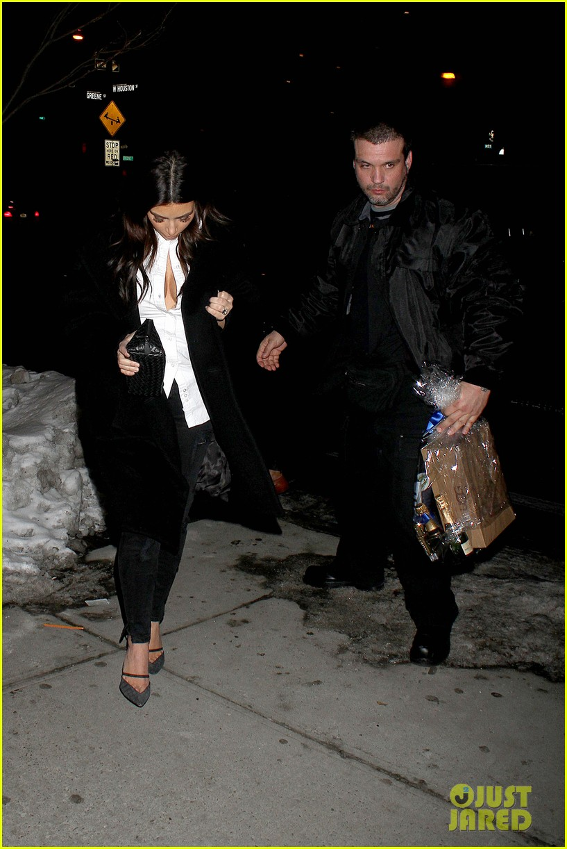 kim kardashian stays in nyc while kanye west continues tour 103055218