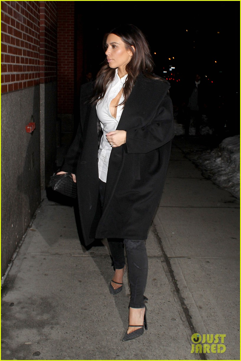 kim kardashian stays in nyc while kanye west continues tour 123055220