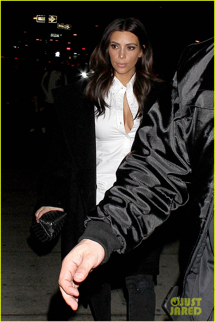 kim kardashian stays in nyc while kanye west continues tour 153055223