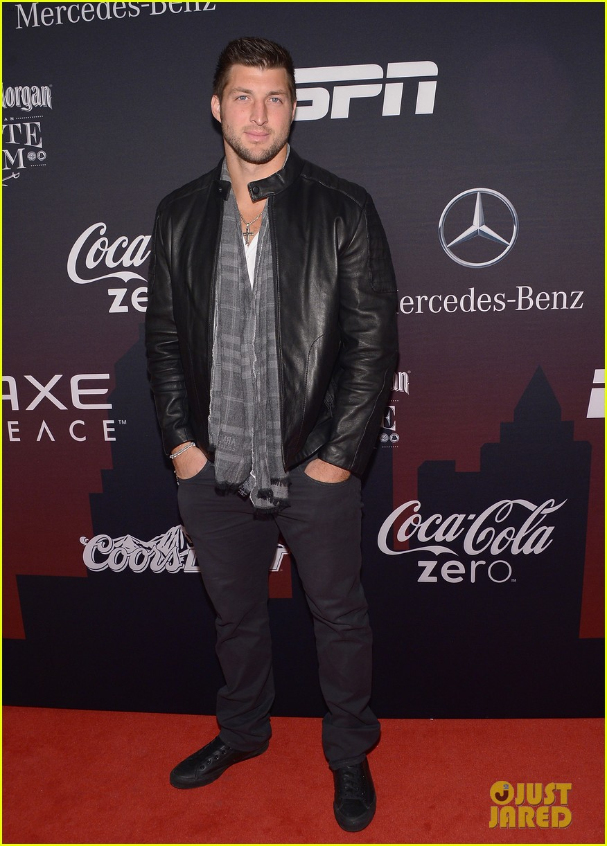 kellan lutz robin thicke espn super bowl party 2014 053045493