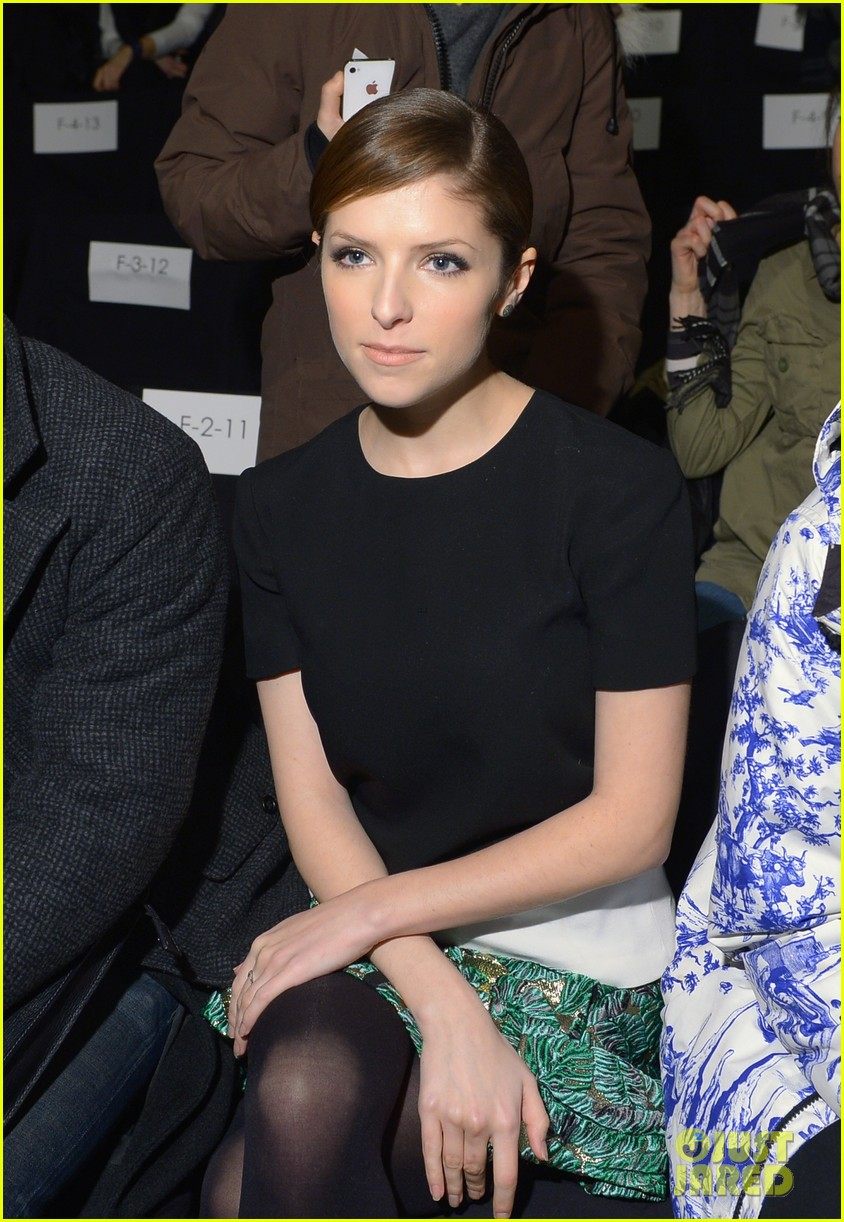 anna kendrick doesnt want to see scary anti smoking ads 043052980