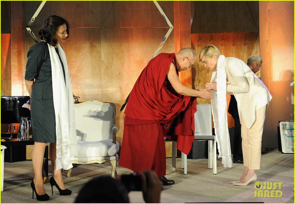 naomi watts anna kendrick dalai lama event with sharon stone 093061177