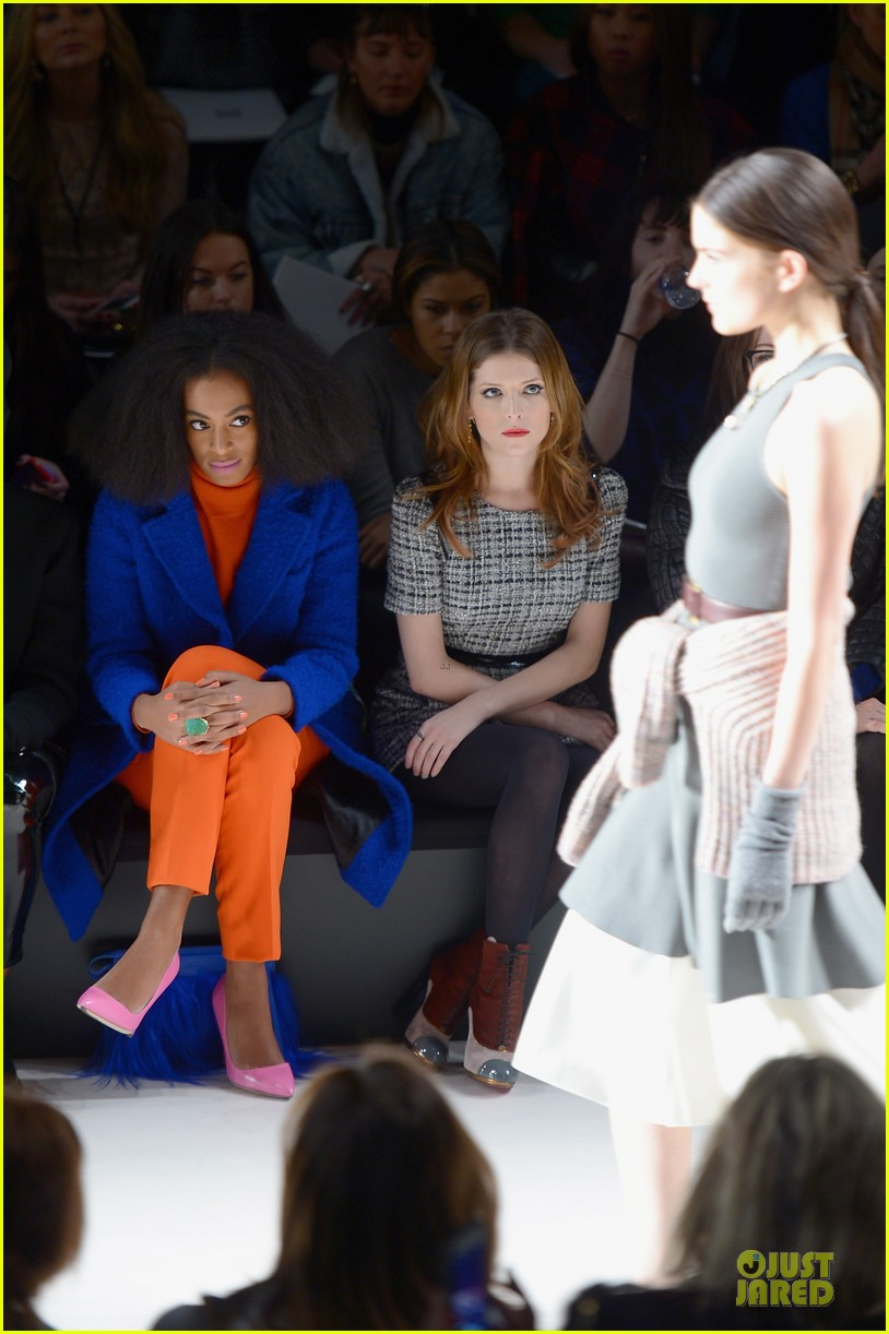anna kendrick solange knowles milly by michelle smith fashion show 073050978