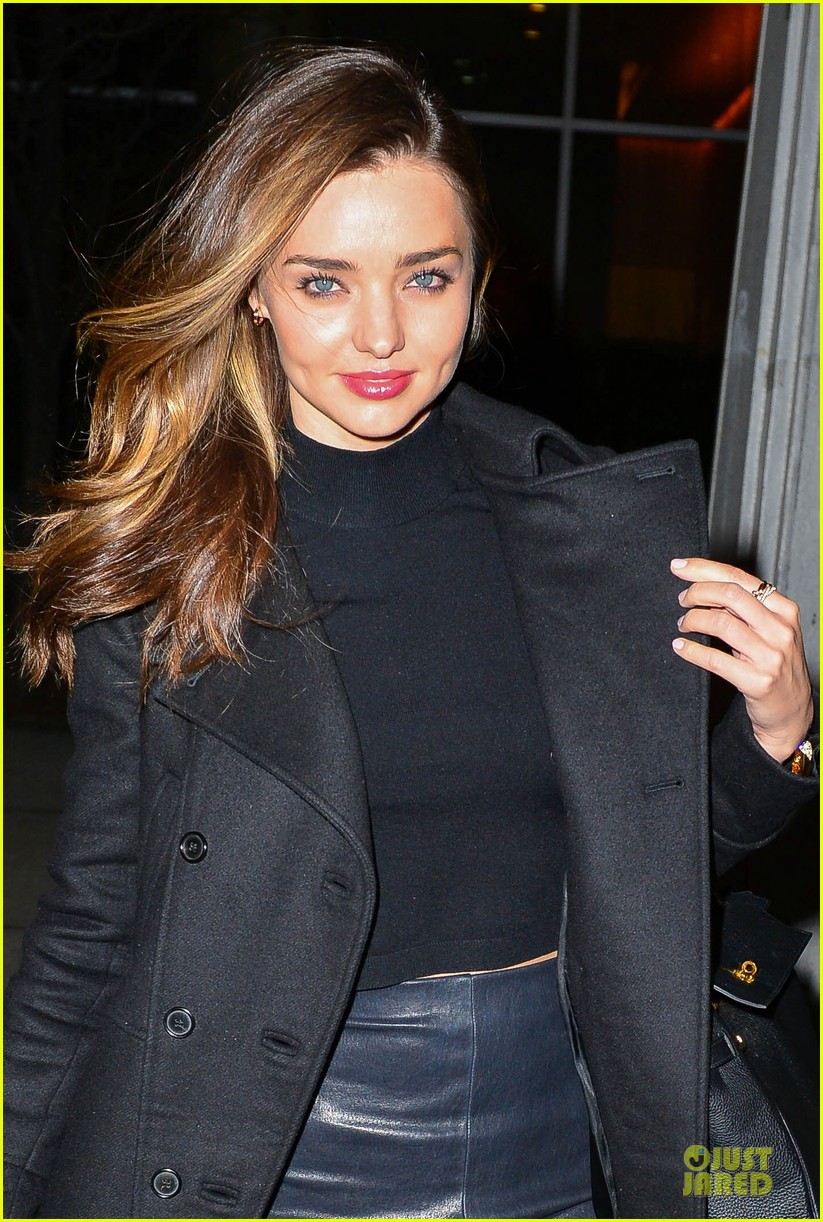 miranda kerr shows off cleavage in black bra in front of a mirror 023049315