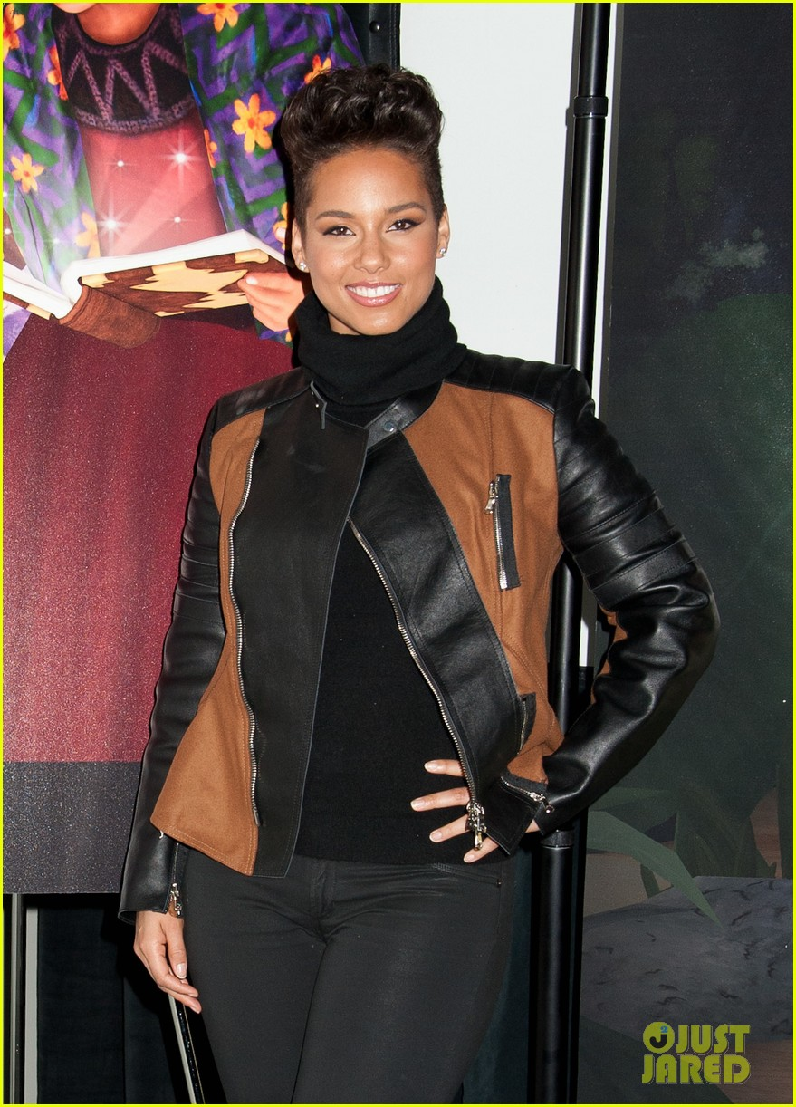 alicia keys debuts unreleased song for valentines day 033054742