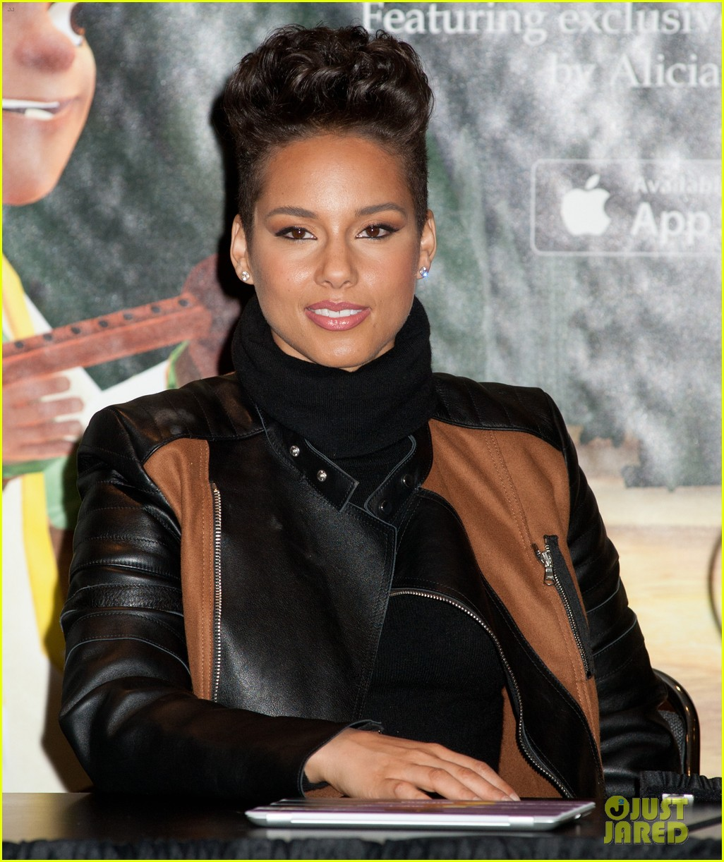 alicia keys debuts unreleased song for valentines day 073054746