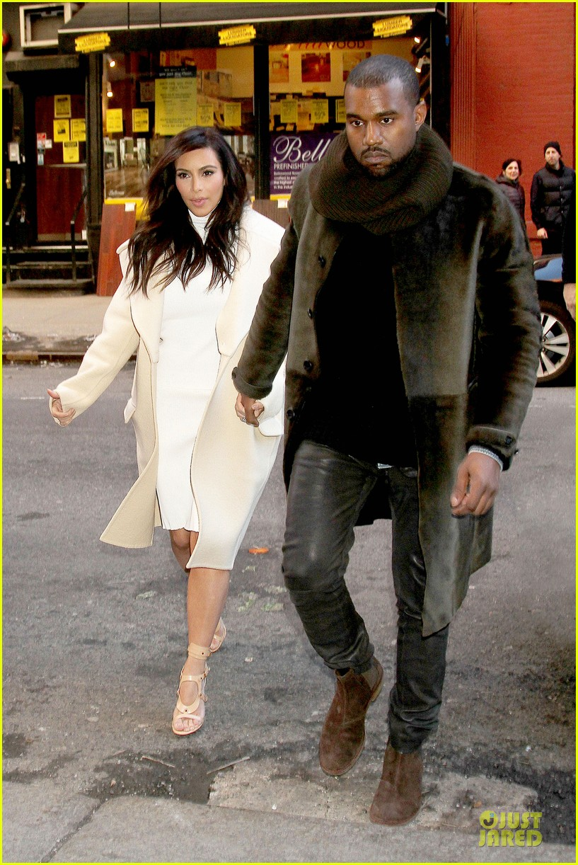 kim kardashian kanye west hold hands at abc kitchen 02