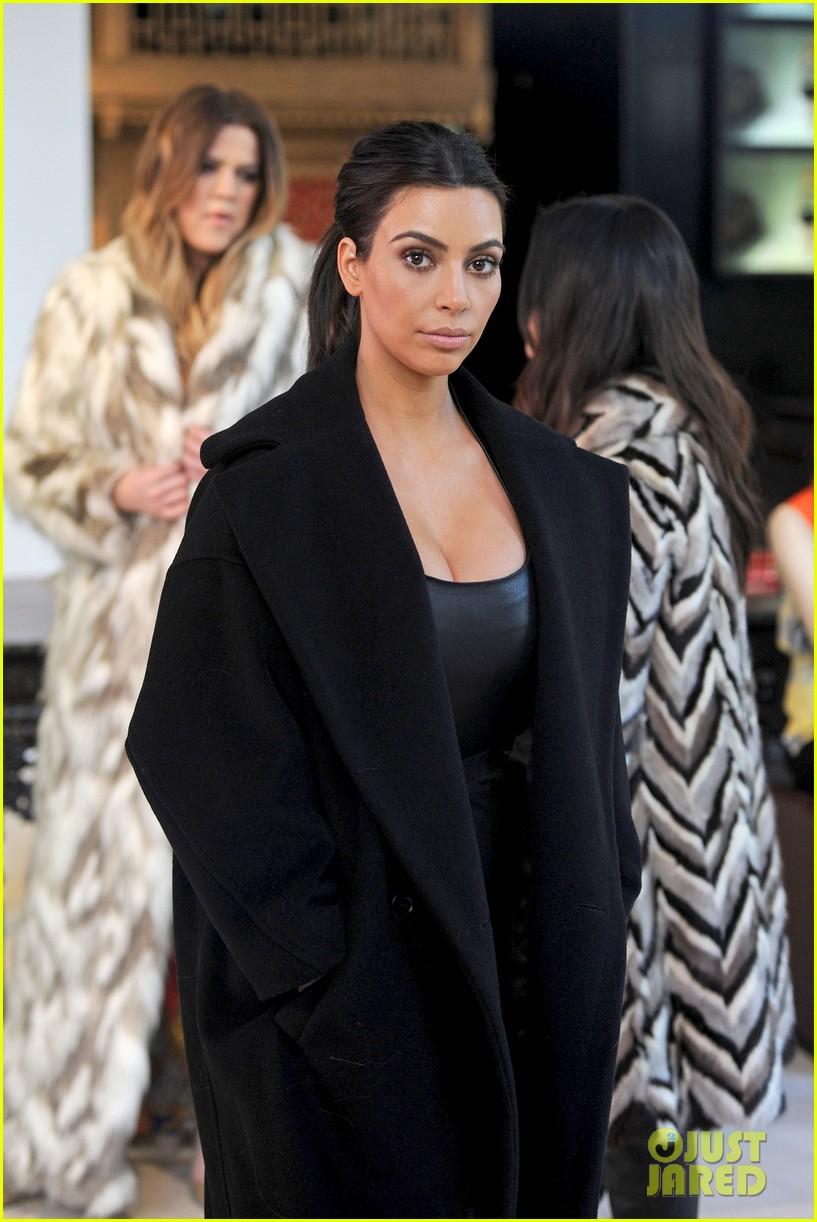 kim kardashian films kuwtk with her sisters khloe sends message on coat fxck yo fur 133055131