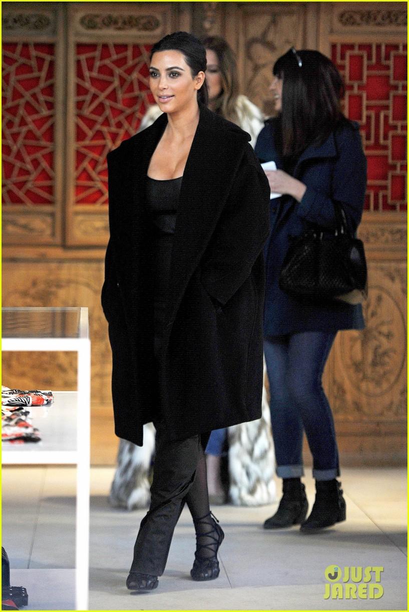 kim kardashian films kuwtk with her sisters khloe sends message on coat fxck yo fur 173055135