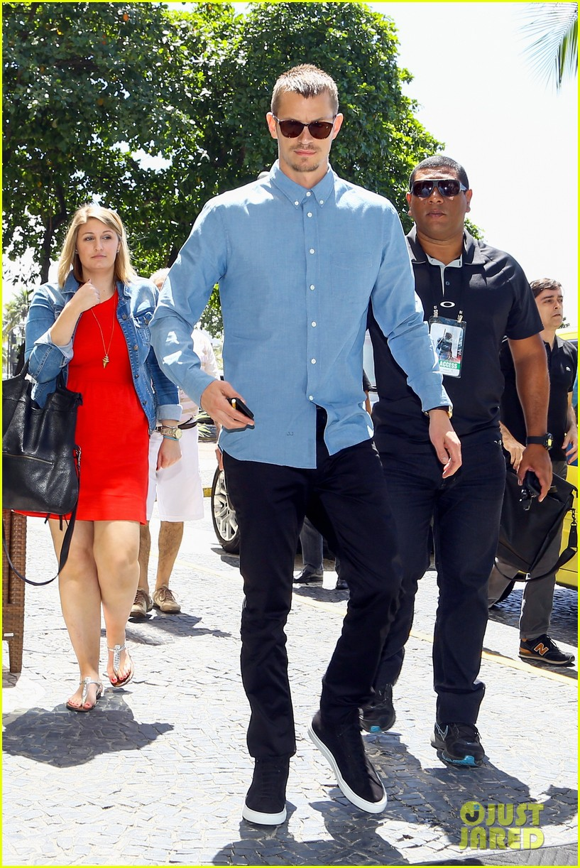 joel kinnaman suits up for robocop premiere in rio 113056435