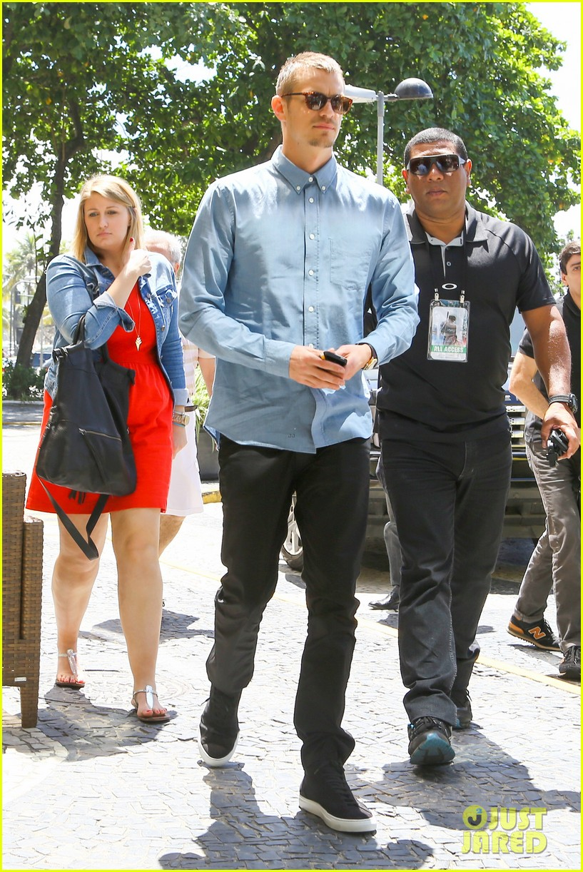 joel kinnaman suits up for robocop premiere in rio 163056440