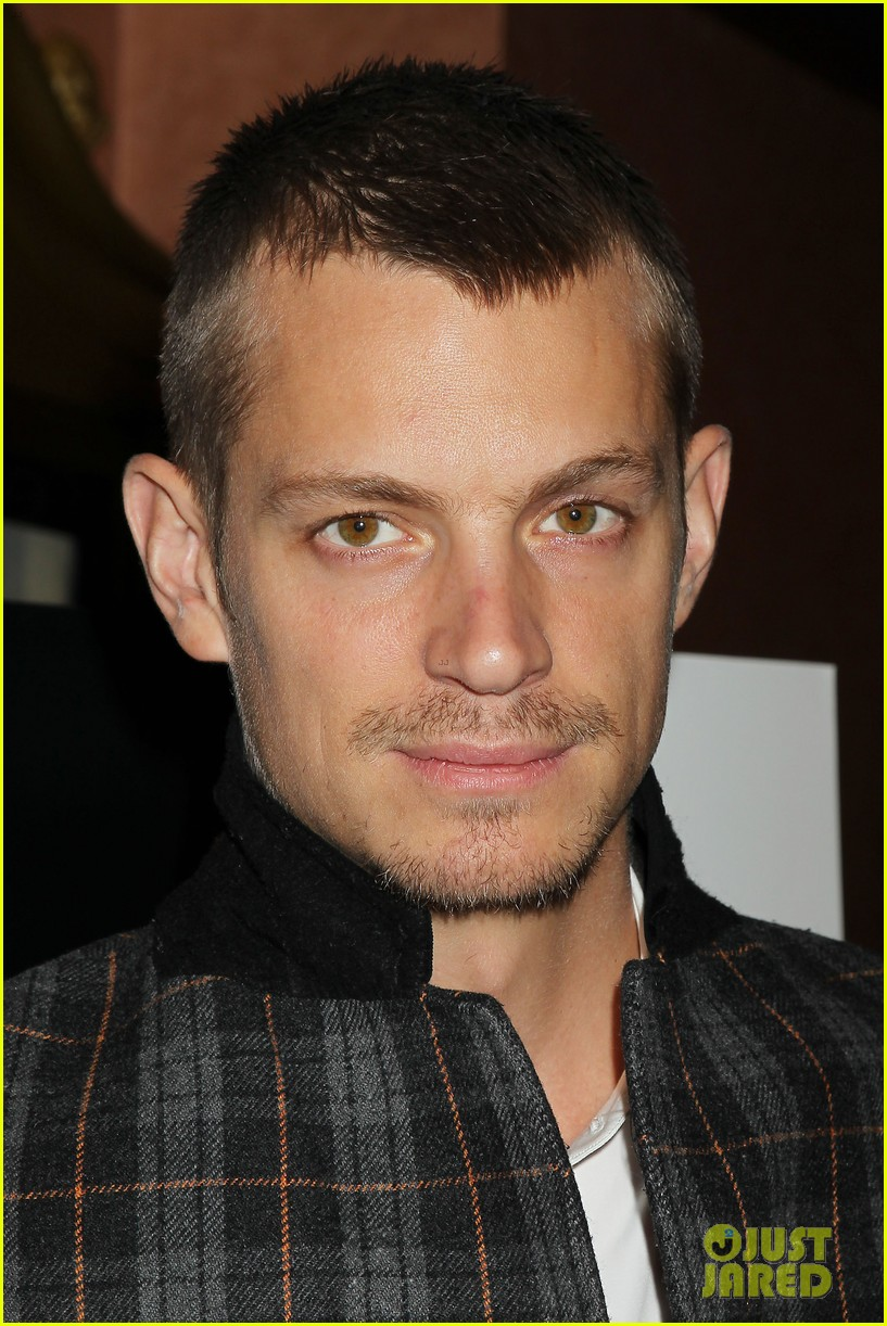 joel kinnaman surprises young fans at robocop screening 023052650