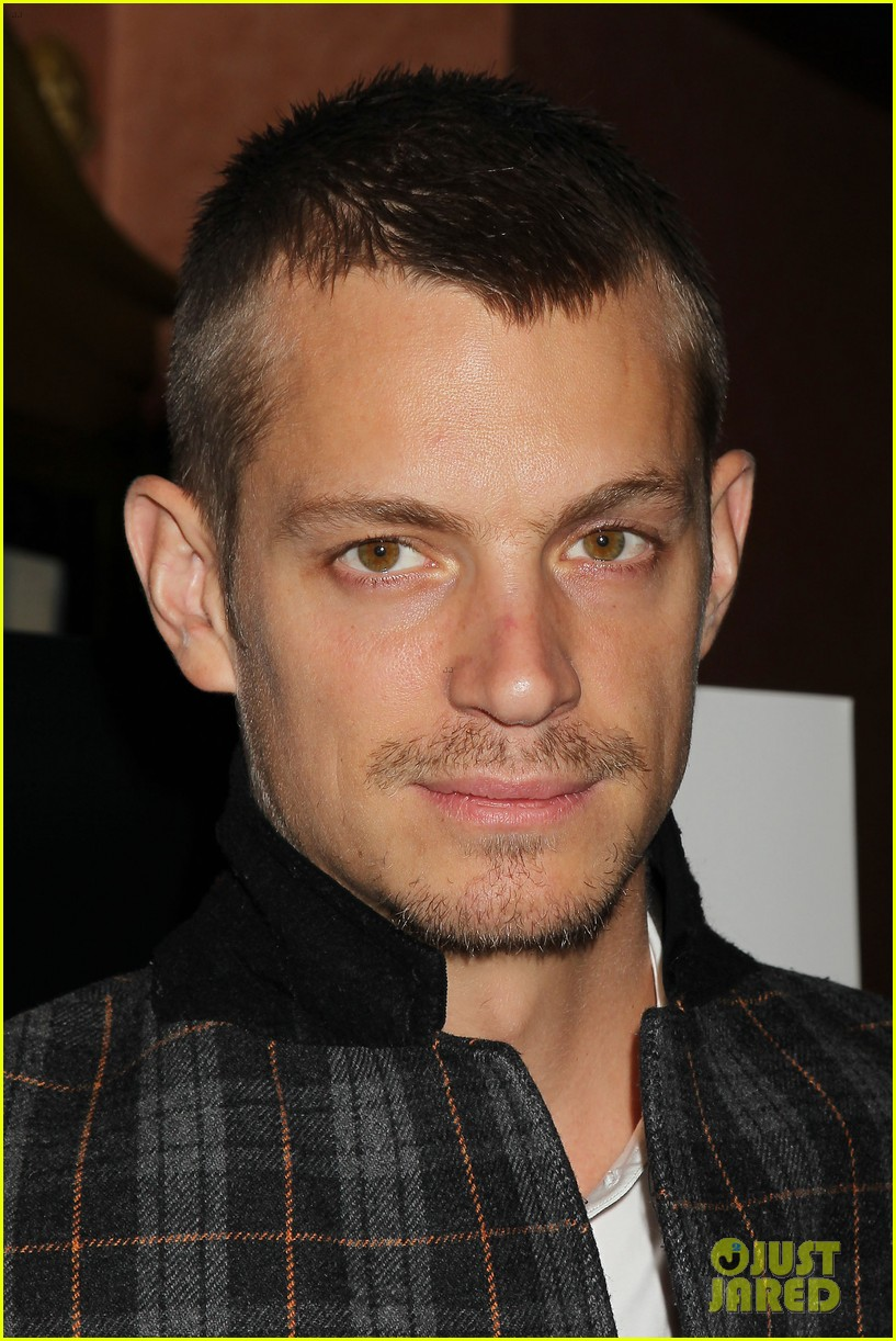 joel kinnaman surprises young fans at robocop screening 143052662