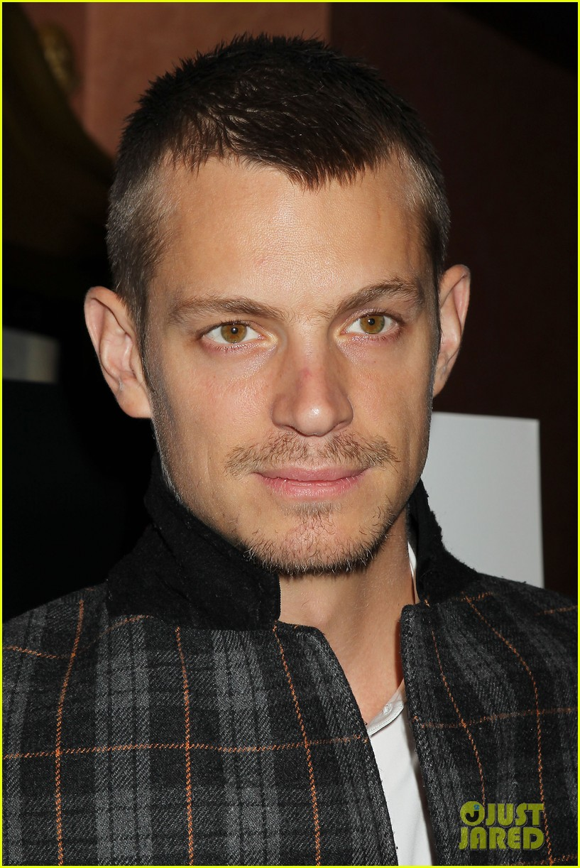 joel kinnaman surprises young fans at robocop screening 153052663