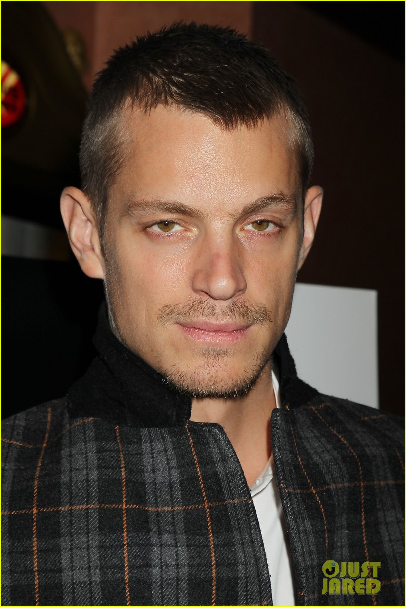 joel kinnaman surprises young fans at robocop screening 173052665