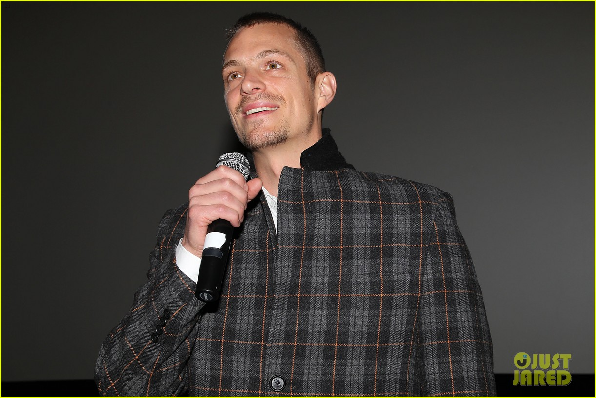 joel kinnaman surprises young fans at robocop screening 223052670