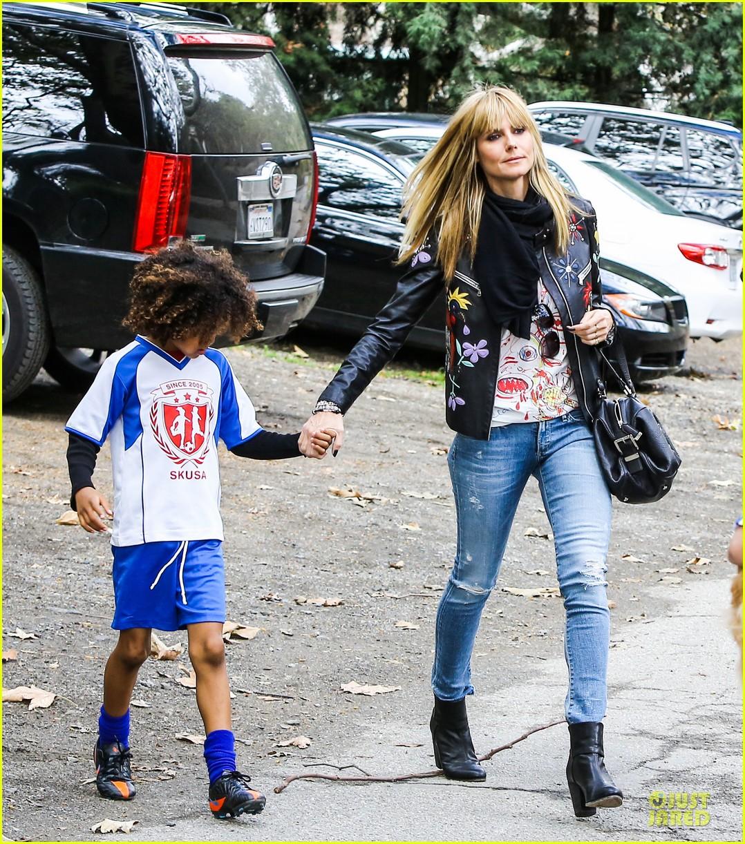 heidi klum soccer mom at leni johan saturday game 043049856