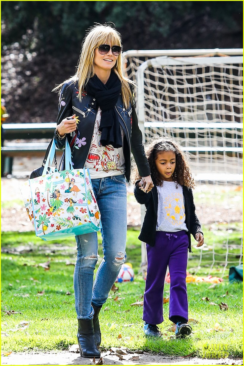 heidi klum soccer mom at leni johan saturday game 183049870