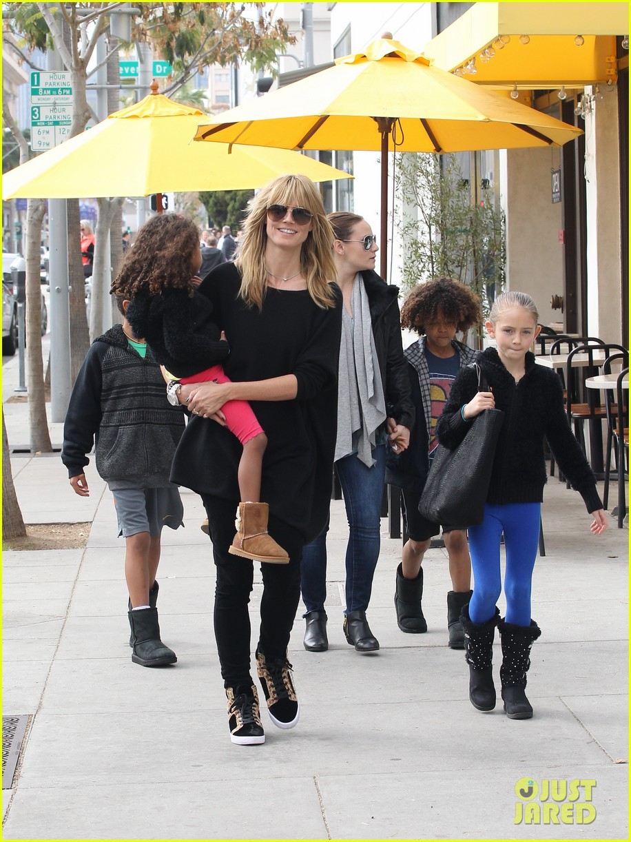 heidi klum sunday lunch with the kids 103050572