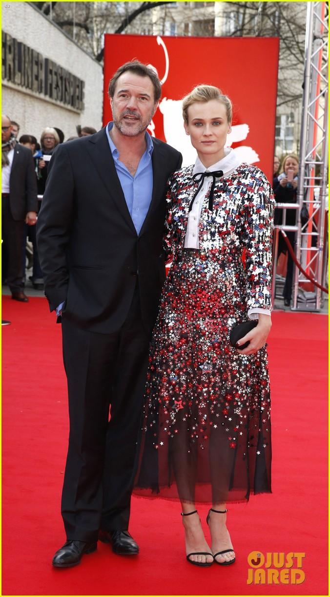 diane kruger brings joshua jackson along for berlin film festival premiere 083050686