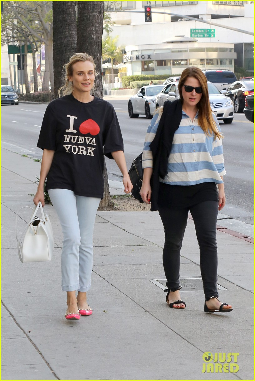 diane kruger is a new york city tourist in the wrong city 073057749