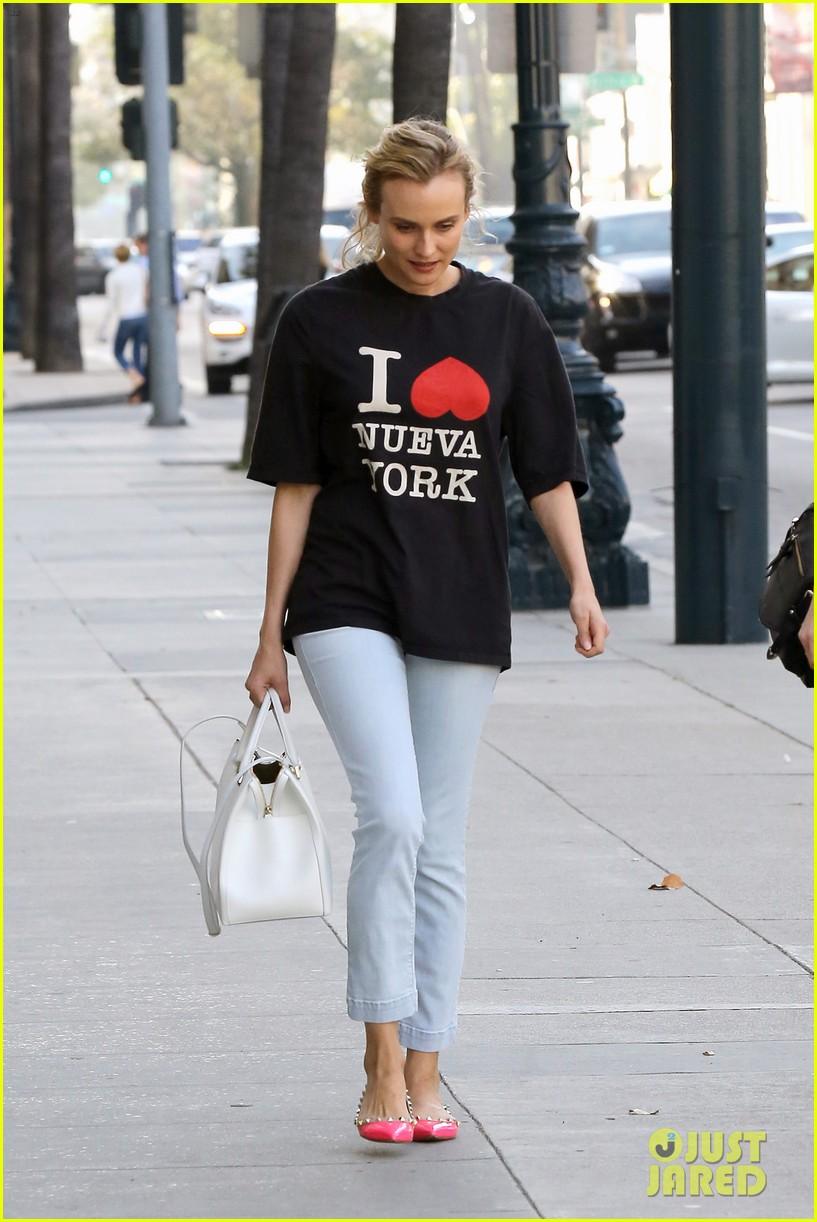 diane kruger is a new york city tourist in the wrong city 183057760