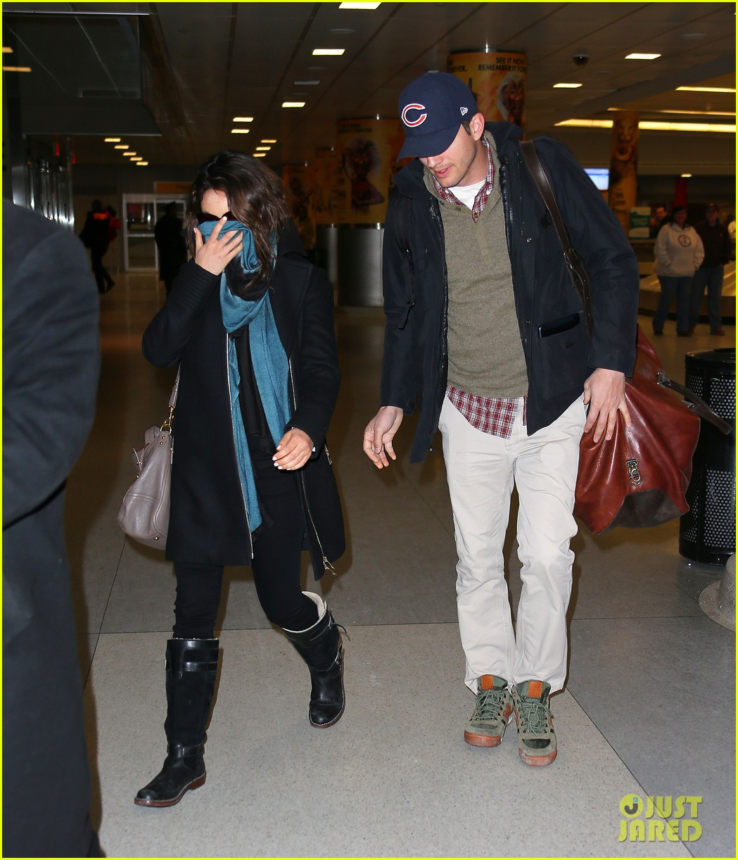 mila kunis ashton kutcher hold hands upon arrival in nyc 053055249