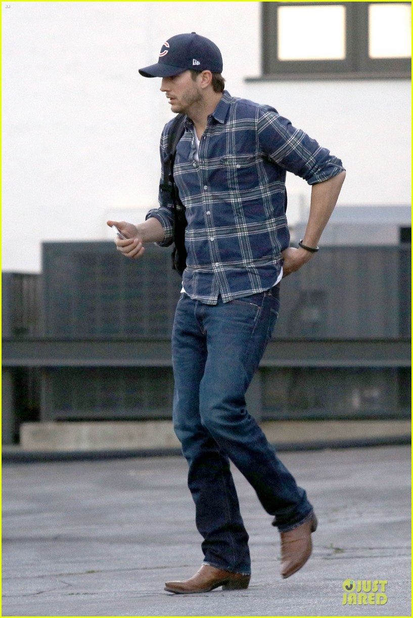 ashton kutcher are you sold on the waffle taco 113060116